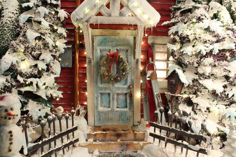 CHRISTMAS IS EVERYWHERE 6