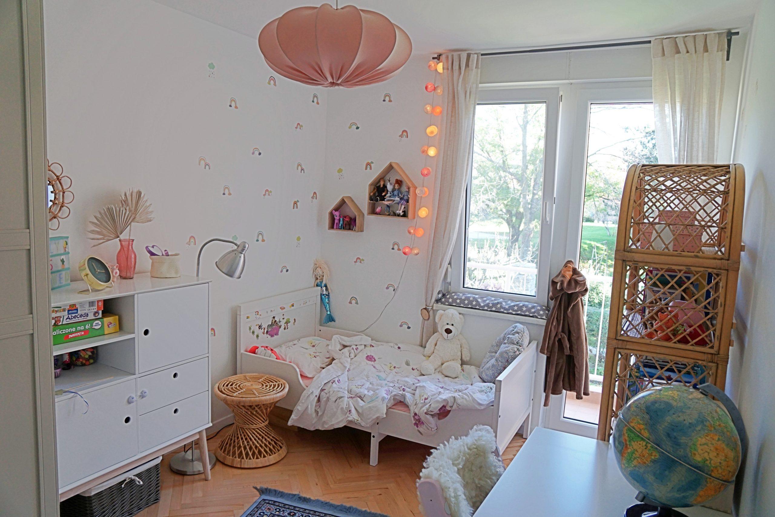 girl's room 3